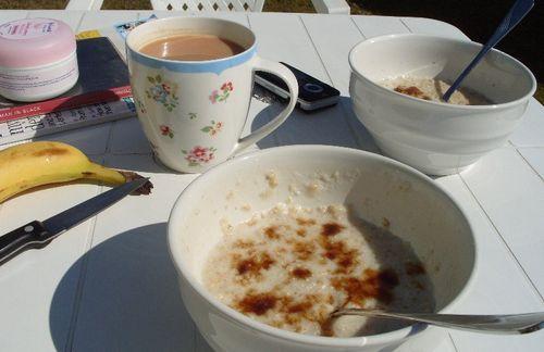 Breakfastoutside